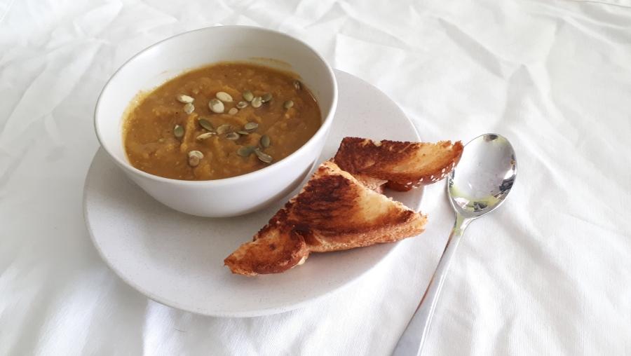 vegetarian vegan lentil butternut squash soup